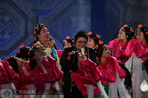 韩红的母亲雍西_歌手韩红的母亲名字叫雍西是歌曲《北京的金